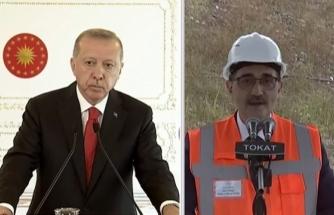 Erdoğan'dan Bakan Dönmez'e: Müsaade Edin De Konuşmamı Yapayım