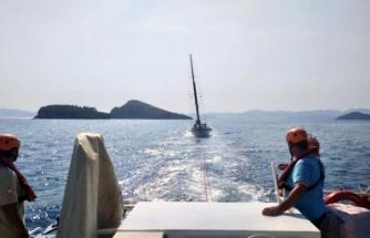 Fethiye Açıklarında Sürüklenen Tekne Kurtarıldı