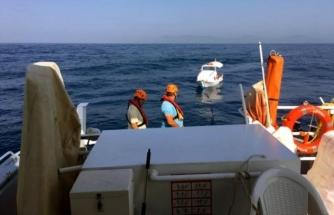 Fethiye'de Sürüklenen Teknedeki 2 Kişiyi Kıyı Emniyeti Kurtardı