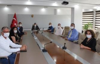 Kaymakam Erdoğan'dan Pandemi Sürecinde Görev Alan Personele Başarı ve Teşkkür Belgesi