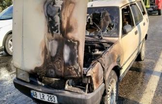 Milas'ta Motorunda Yangın Çıkan Otomobil Sürücüsü Kurtuldu