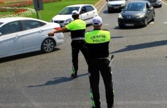 Trafik Uygulamasında Polise Rüşvet Teklifi!