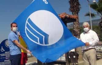 Ula'nın Akyaka Plajına, Mavi Bayrak Törenle Asıldı