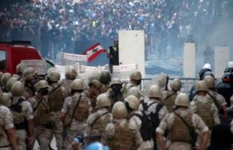 Beyrut'taki Patlama ve Gösteriler Sonrasında İlk İstifa