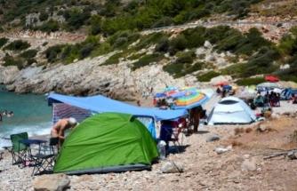 Datça'da Kamp Alanları Dışında Çadır Kuranlara Para Cezası