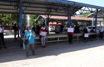 Muğla'da Kapatılan Pazar Yerinin Başka Yere Taşınmasına Tepki