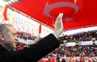 AK Parti'de İl ve İlçe Başkanlarının Yüzde 65'i Değişiyor
