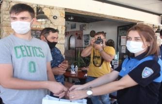 Ayakkabı İçin Biriktiği Parası Çalınan Genci Bodrum Polisi Sevindirdi
