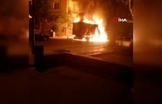 Muğla'dan Ankara'ya Giden Kamyonet Park Halinde Alev Aldı!