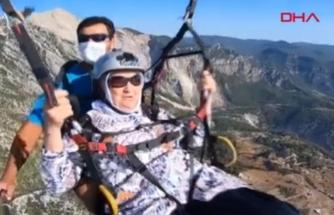 Torunlarını Kıramadı 100 Yaşında Yamaç Paraşütüyle Atlayış Yaptı!