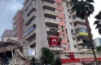 İzmir Depreminde Kaymakamlık Binası ve Kızılay Kan Merkezi de Yıkıldı!
