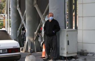Maskesiz Dolaşırken Yakalanan Koronavirüs Hastası, Kameralara El Salladı!