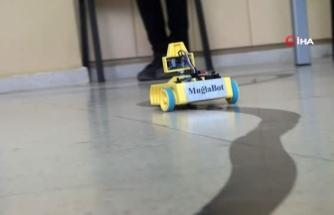 """Muğla BİLSEM'den 5 Kat Daha Ucuz Eğitim Robotu; """"Muğla Bot"""""""