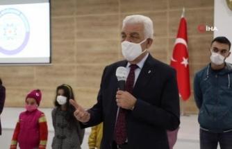Büyükşehir'den Öğrencilere Karne Hediyesi 'Tablet'