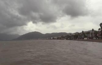 Marmaris ve Bodrum'da Fırtınamsı Rüzgar Etkili Oluyor