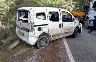 Dalaman'da Belediyeye Ait Araç Uçuruma Yuvarlandı, Araç Sürücüsü Yaralandı