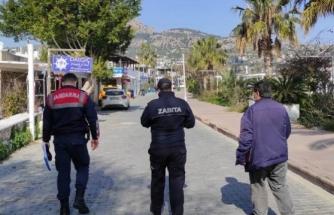 Muğla'da Kovid-19 Tedbirlerine Uymayan 78 Kişiye Para Cezası Verildi