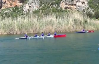 Kürek ve Kano Sporcuları Dalyan'da Doğayla Baş Başa Kürek Çekti