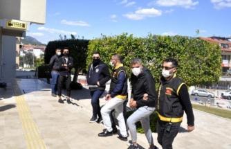 Marmaris'te Komşuların Silahlı Kavgası Kanlı Bitti: Bir Yaralı, Bir Tutuklu!