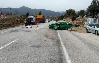 Seydikemer'de Otomobil, Tırla Çarpıştı: 1 Ölü