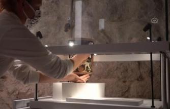 2400 Yıllık Lahitte Bulunan Eserler Bodrum Kalesi'nde Sergilenmeye Başlandı