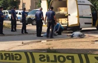3 Çocuğunun Annesini Olan Eski Eşini Sokak Ortasında Öldürüp, Kendi Kafasına Sıktı