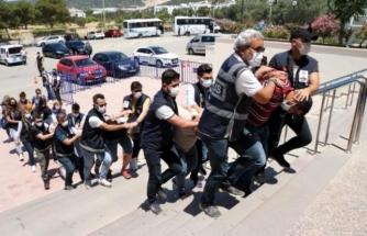 Bodrum'da Şehit Edilen Polis Memuru Ercan Yangöz'ün Zanlıları Adliyeye Çıkarıldı