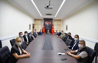 Kızılay Genel Müdürü Dr. İbrahim Altan ile Beraberindeki Heyet, Vali Orhan Tavlı' Yı Ziyaret Etti