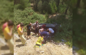 Menteşe'de Otomobil Şarampole Devrildi: 5 Yaralı