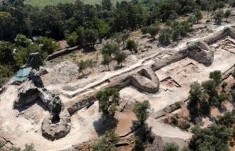 Muğla Akyaka'daki Orta Çağ'dan Kalma Kale Surları Gün Yüzüne Çıkarılıyor