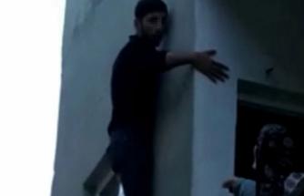 Pencerede Mahsur Kalan Hırsız Ev Sahibine Yalvardı