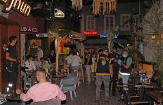 Fethiye'de Polis Ekipleri Eğlence Mekanlarını Denetledi