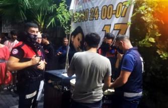 Marmaris Polisi Barlar Sokağında Müzik Denetimi Gerçekleştirdi