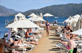 """Ülkelerinde """"Otel Karantinası"""" Kalkan İngiliz Turistler Yine Muğla'yı Seçti"""