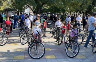 Ortaca'da 60 Çocuğa Bisiklet Hediye Edildi