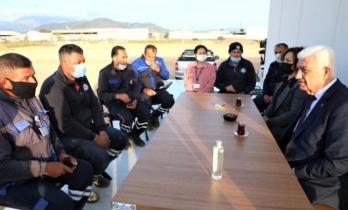 Başkan Gürün, Ortaca'da Çalışan Büyükşehir Belediyesi İşçileriyle Yatırım ve Projeleri Konuştu