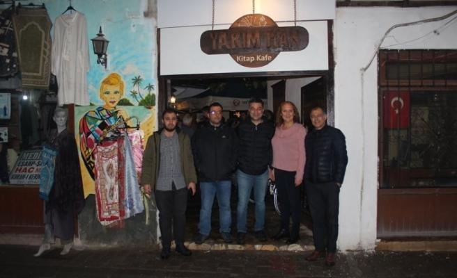Menteşe'deki Tarihi Yarım Han Kitap Kafe Oldu