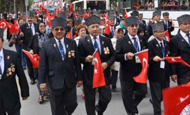 377 Gazinin Emekli Maaşı Kesildi