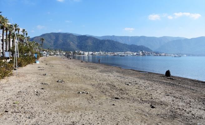 Marmaris'te Deniz 5mt Geri Çekildi