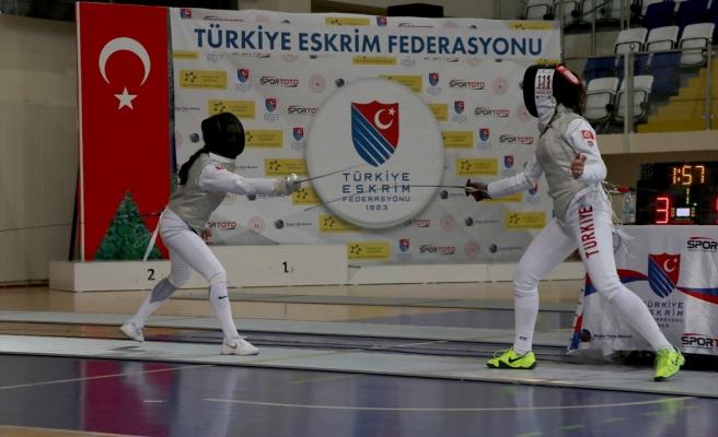 FETHİYE'DE AÇIK ESKRİM TURNUVASI SONA ERDİ
