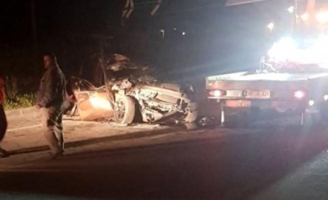 Alkollü Araç Kullanan Sürücü Kamyona Çarptı Arkadaşı Öldü