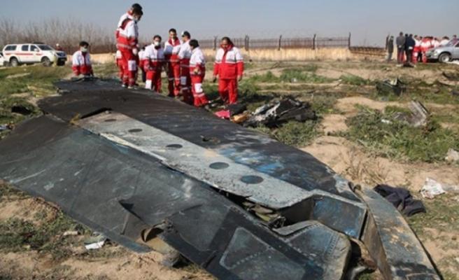 """İran İtiraf Etti: """"Yolcu Uçağı İstenmeden Düşürüldü"""""""