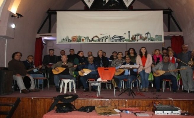 Milas Türk Halk Müziği Derneği Konsere Hazırlanıyor