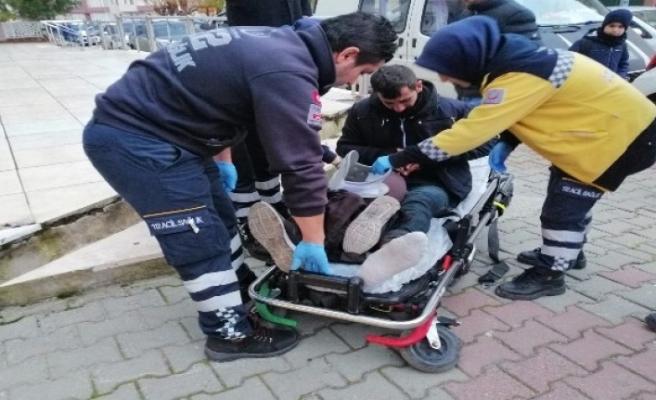 Motosiklet Sürücüsü Ara Yoldan Çıkan Araca Çarptı