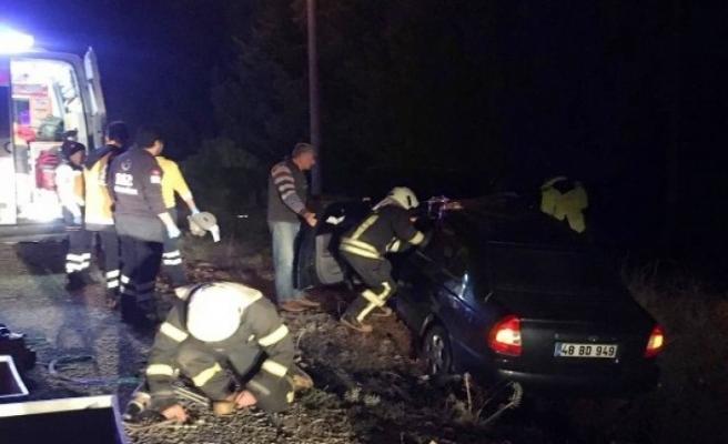 Muğla'dan Denizli'ye Giden Araç Kaza Yaptı: 2 Ölü 3 Yaralı