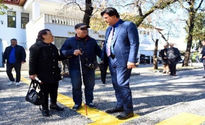 Görme Engelli Vatandaşlardan Başkan Karaca'ya Teşekkür
