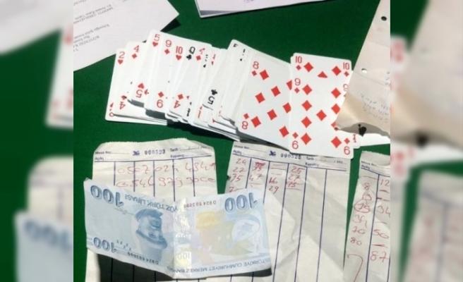 Köyceğiz'de Polis Evde Kumar Oynayan 4 Kişiye Suçüstü Yaptı