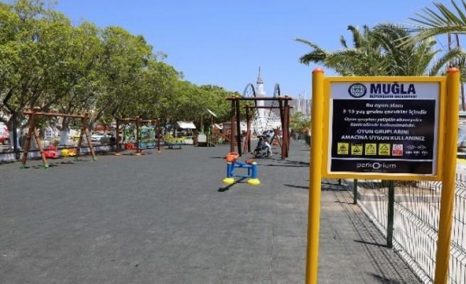 Bodrum Limanı'nda Çocuklara Özel 2 Oyun Parkı Yapıldı