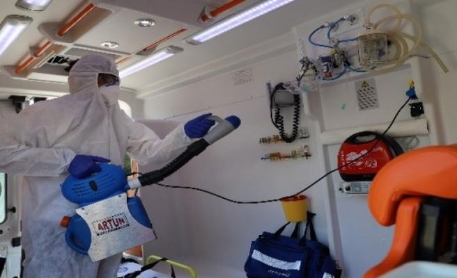 Büyükşehir Hasta Nakil Ambulanslarını Dezenfekte Ediyor