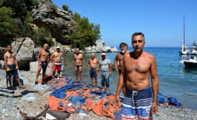 Datça'da Çevreci Denizciler Kıyı Temizliği Yaptı